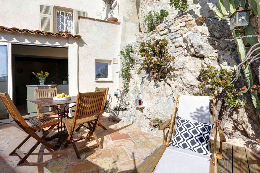 Terrace over les safraniers antibes