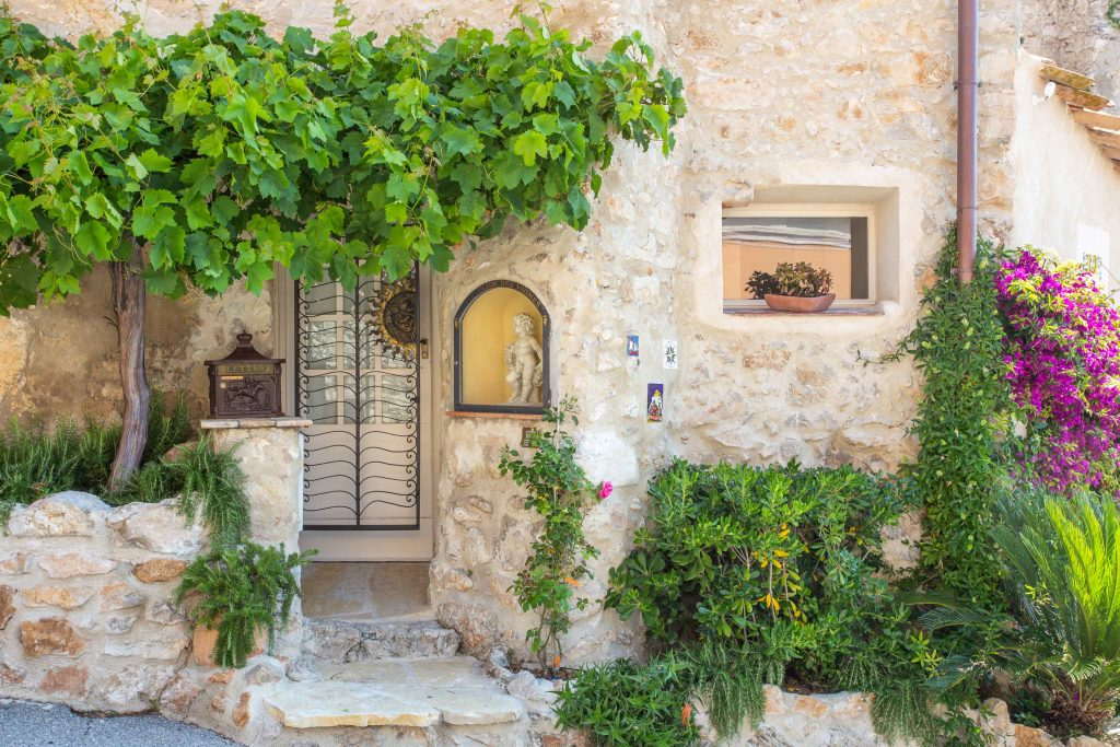 villa with sea view antibes