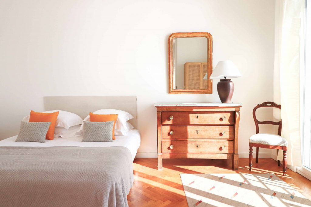 The best vacation rental in Cannes Room