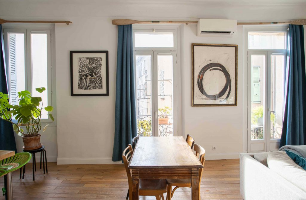 table kitchen vacation rental antibes